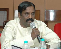 http://www.alaikal.com/news/wp-content/vairamuthu-2.jpg